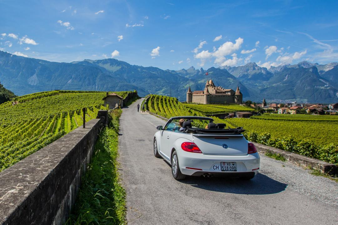 Travelling along this 26 km route from the Alps to the shores of Lake Geneva, you experience everything Switzerland has to offer in 30 minutes. Relax in the thermal waters, embark on an underground adventure or learn about local wines; these are just some of the tourist activities on offer.