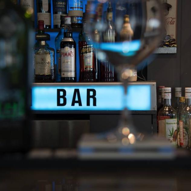 Afterwork & Ginprobe in der Bar Saint-Jean
