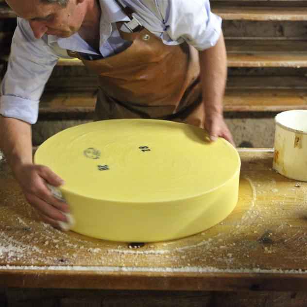 Cheesemaking in Les Mosses
