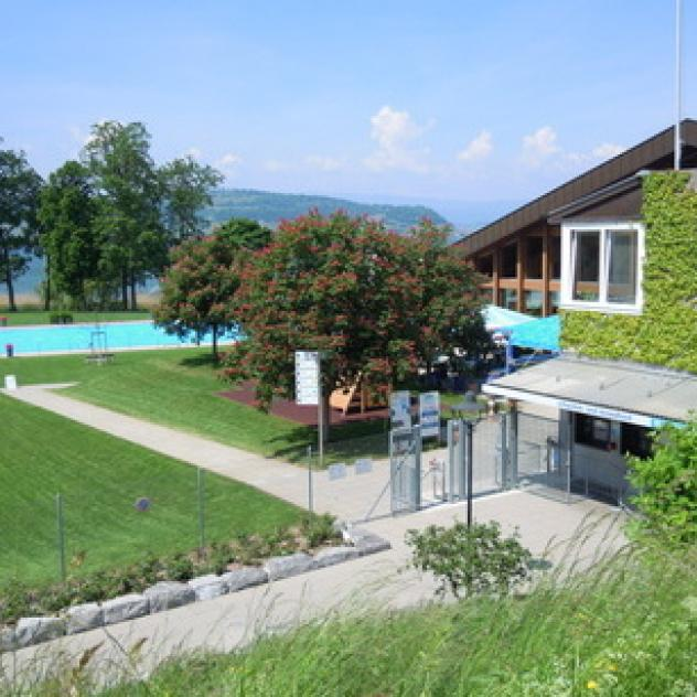 Swimming-pool and Beach - Murten