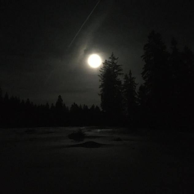 Full moon on snowshoes at the ruins of Oujon
