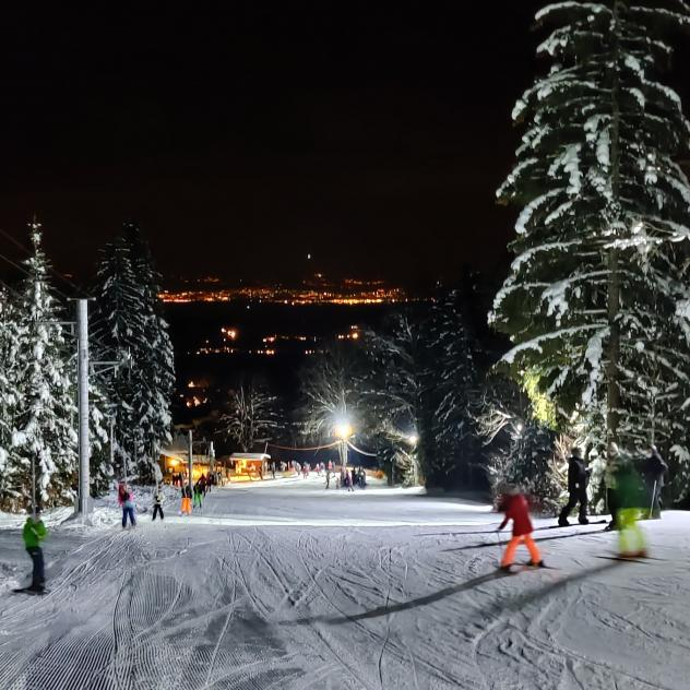 Night skiing in St-George