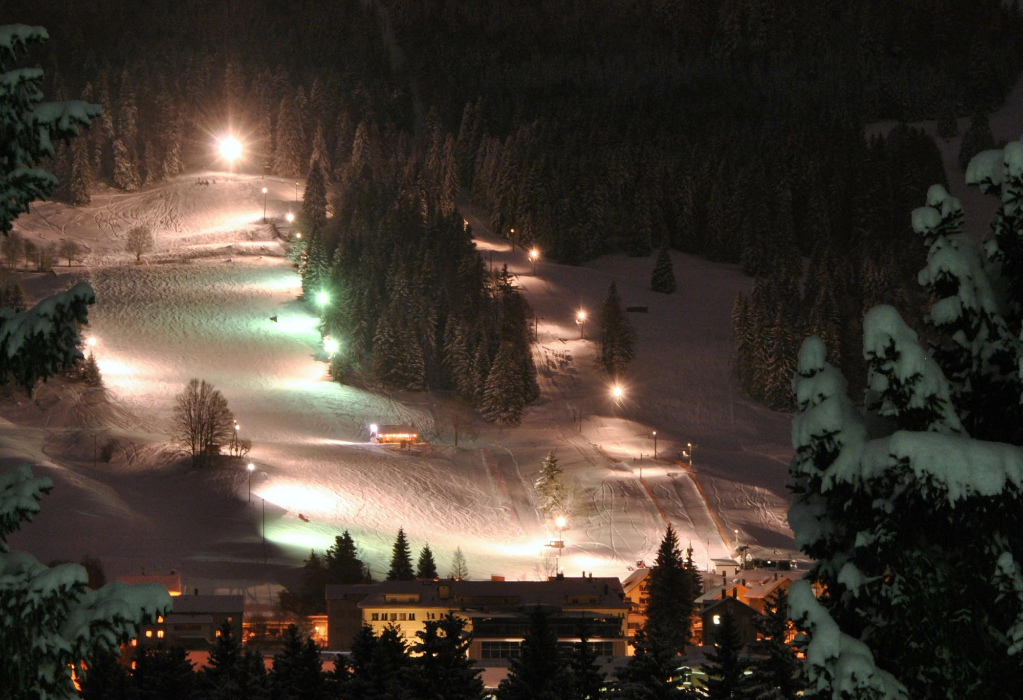 Night skiing in L'Orient
