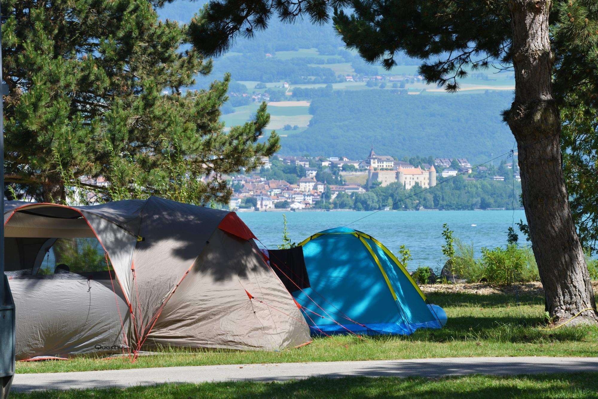 Campingplatz yverdon plage yverdon les bains region for Piscine yverdon