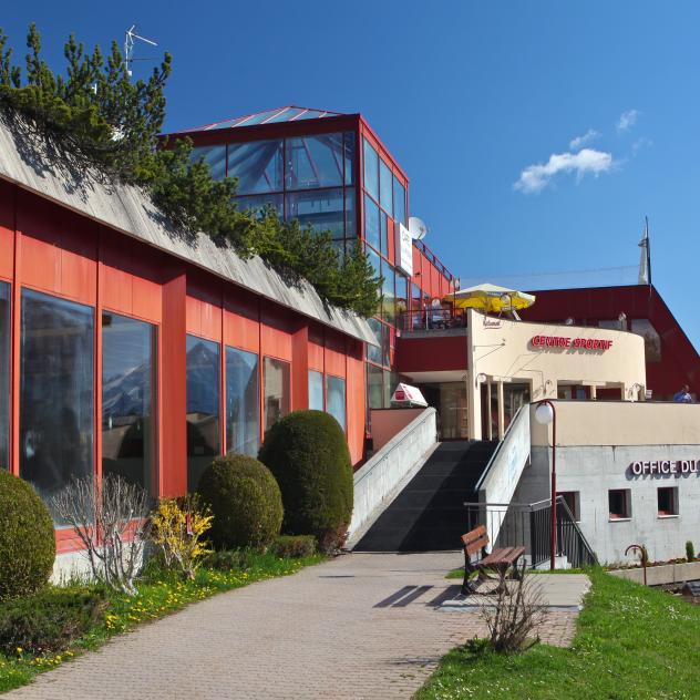 Leysin swimming pool and tourist office