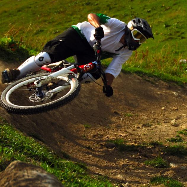 Downhill biking Leysin