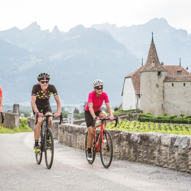 Castle and biking Aigle