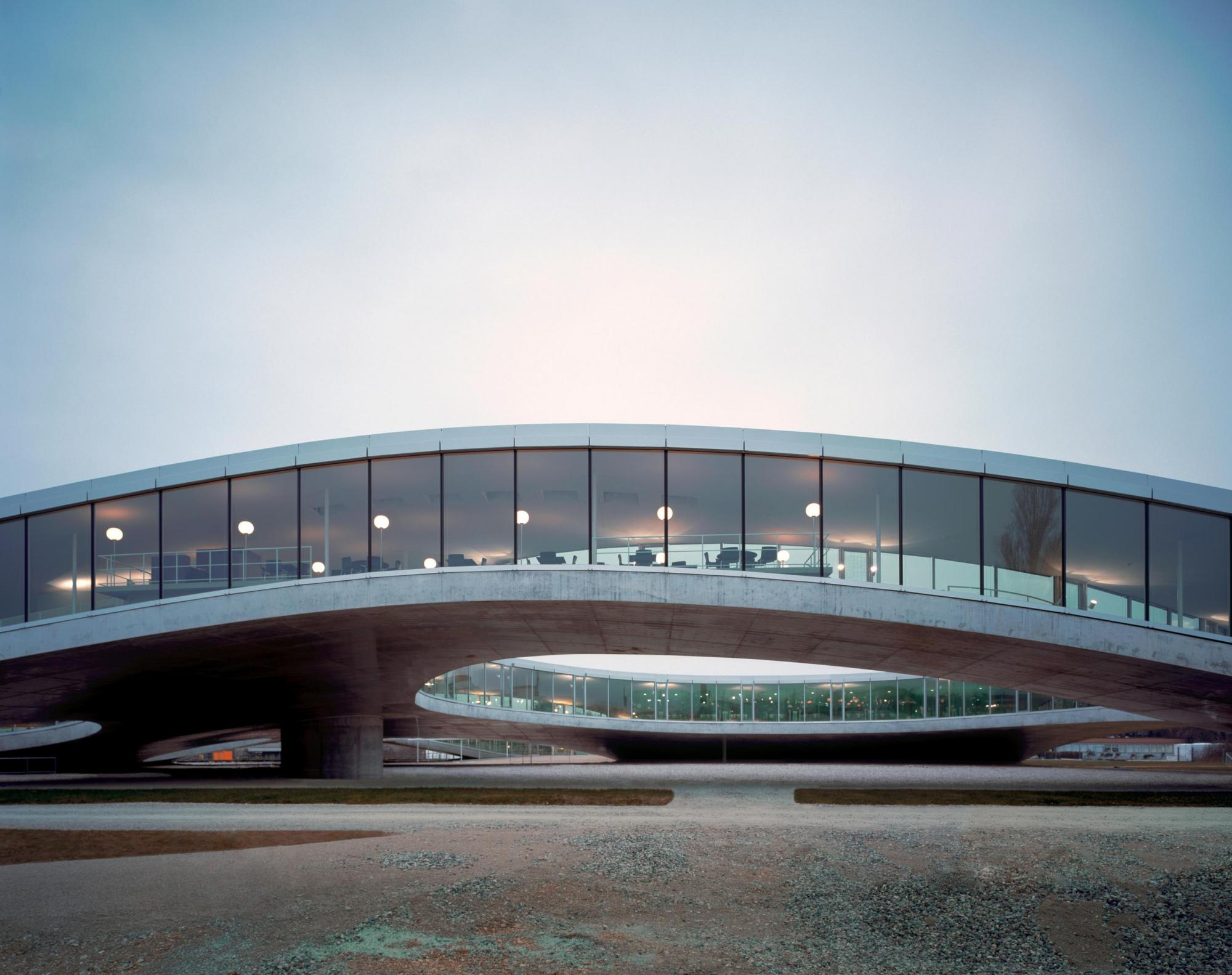 "{""fr"":""Rolex Learning Center"",""de"":""Rolex Learning Center"",""en"":""Rolex Learning Center""}"