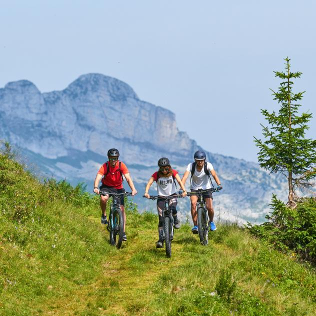 Mountain bike and e-bike guide