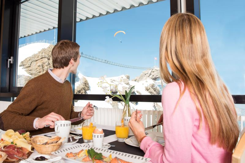 Brunch at an altitude of 3,000 metres
