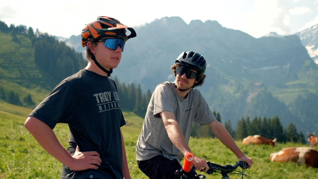 With Théo downhill biking