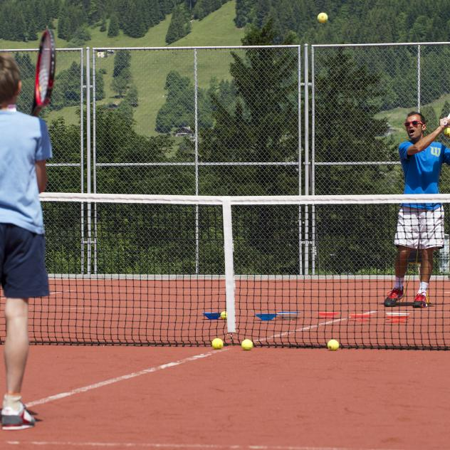 Villars Sports Centre tennis courts