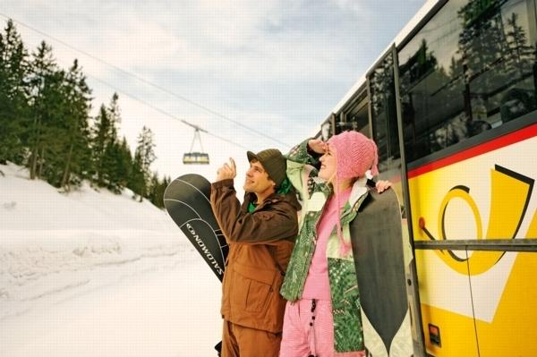 Winter shuttle bus in Villars