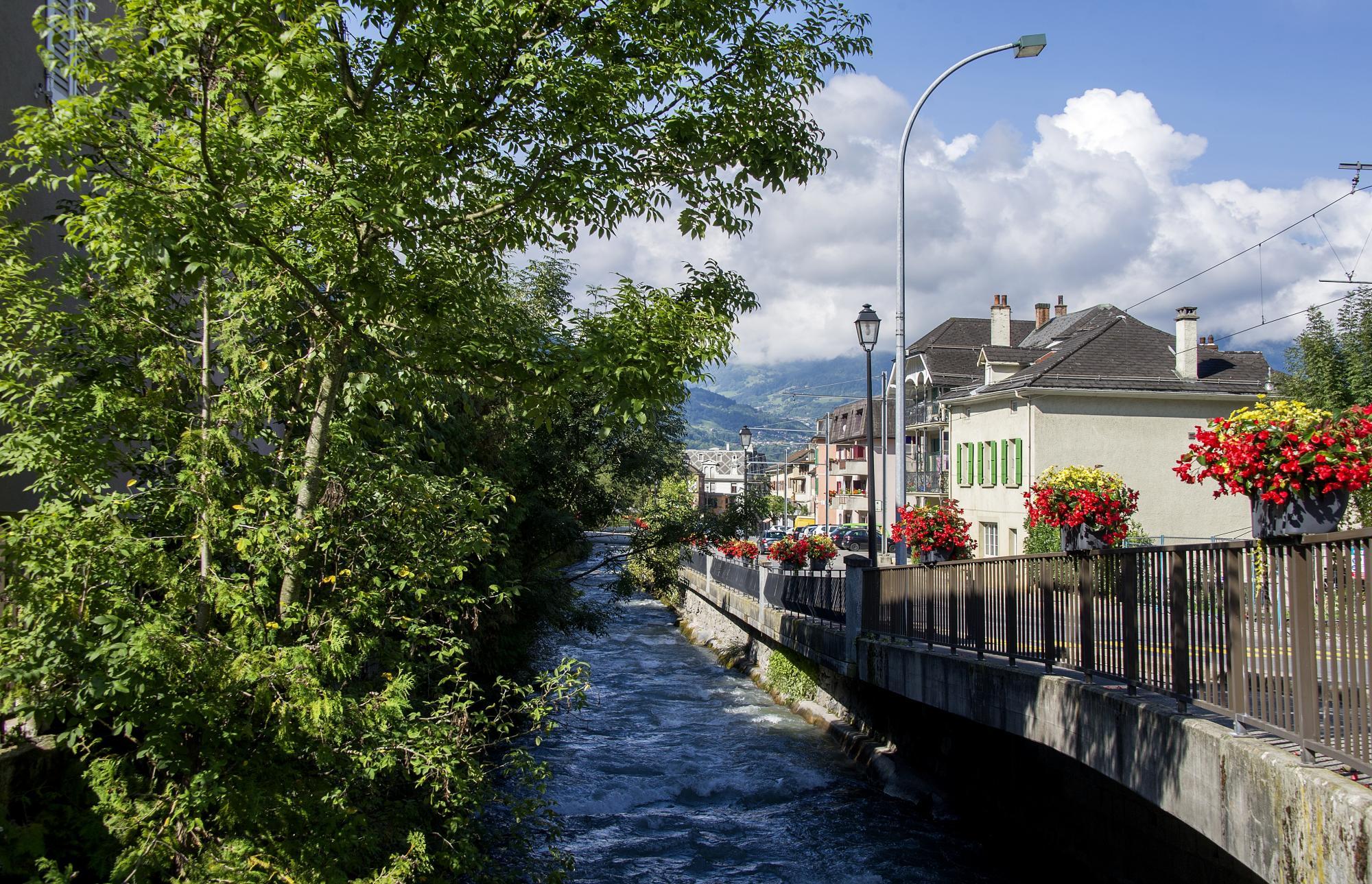 Strolls in the village of Bex - Villars-Gryon – Les Diablerets – Bex ...