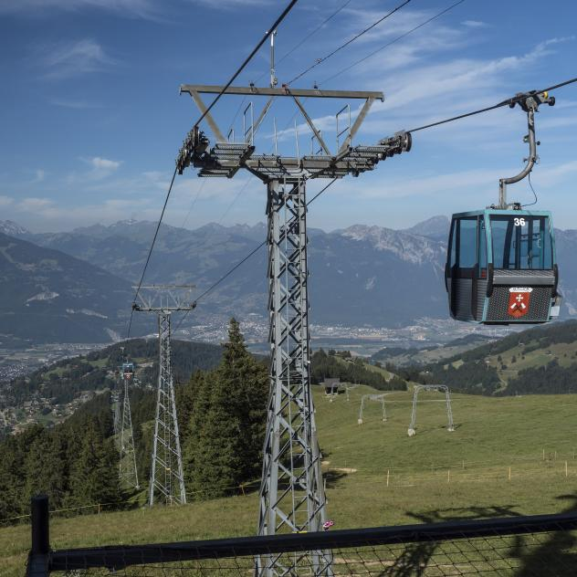 Mountain lifts in Villars-Gryon-Diablerets