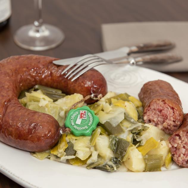 Papet vaudois and cabbage sausage
