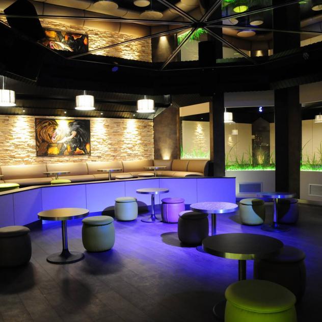 L 39 indus bar la gruy re for Le buro bulle