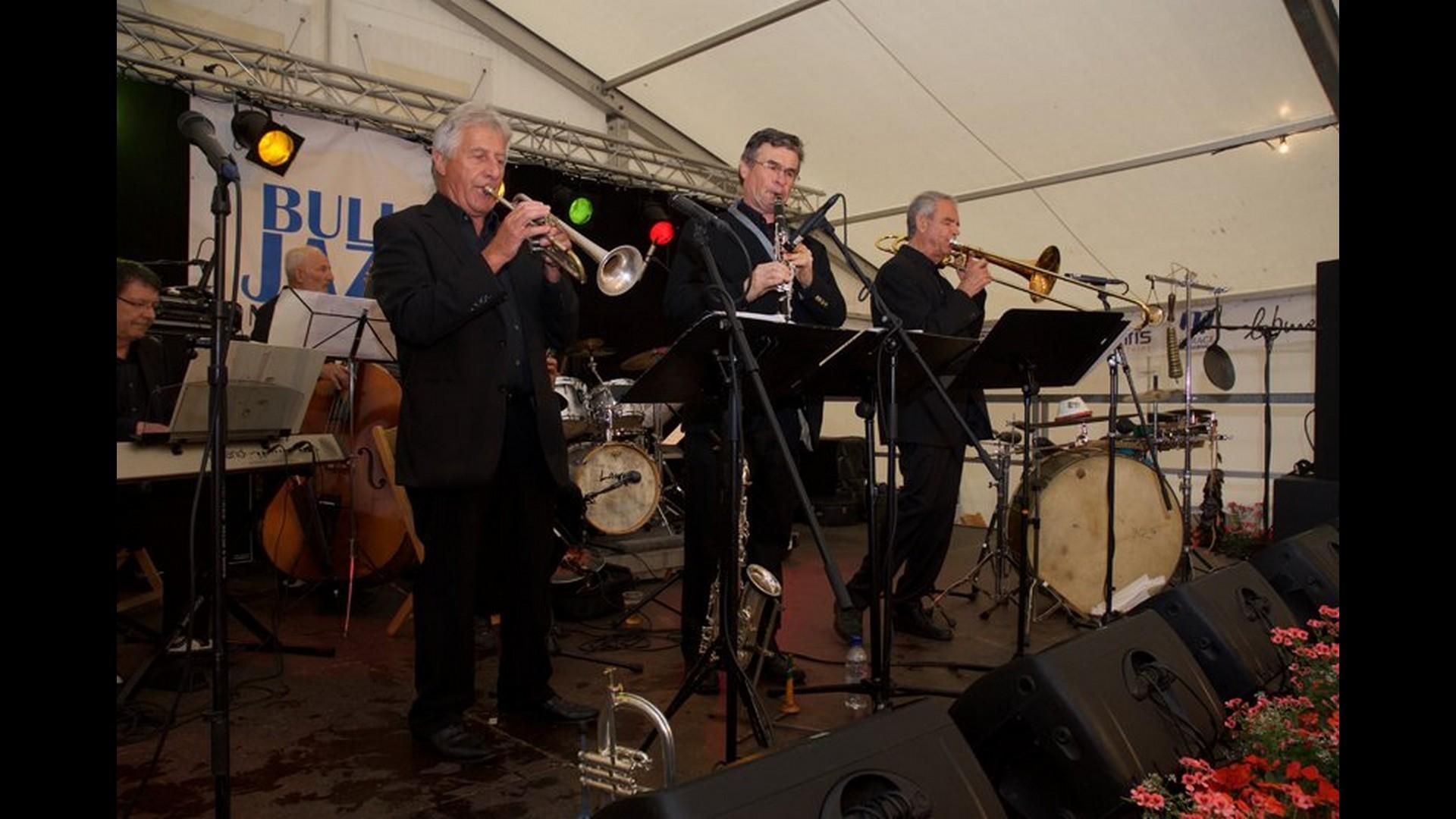 Bulle jazz festival la gruy re for Le buro bulle