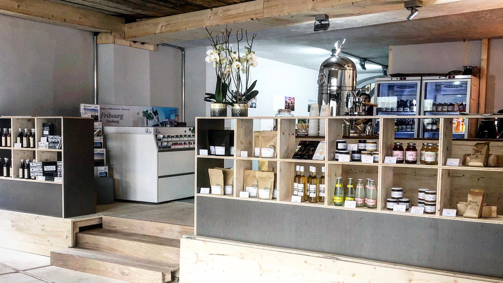 Les Marchands Merciers - relais info - café et petite restauration