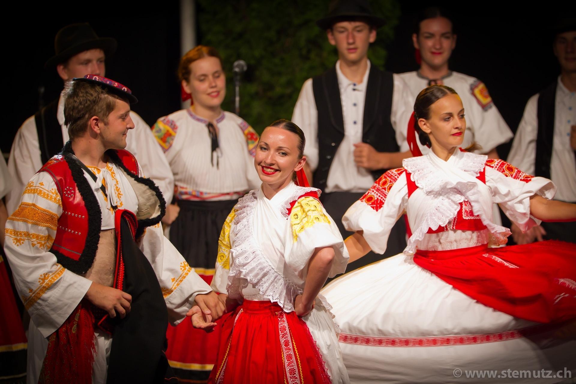 rfi rencontres de folklore internationales fribourg suisse)