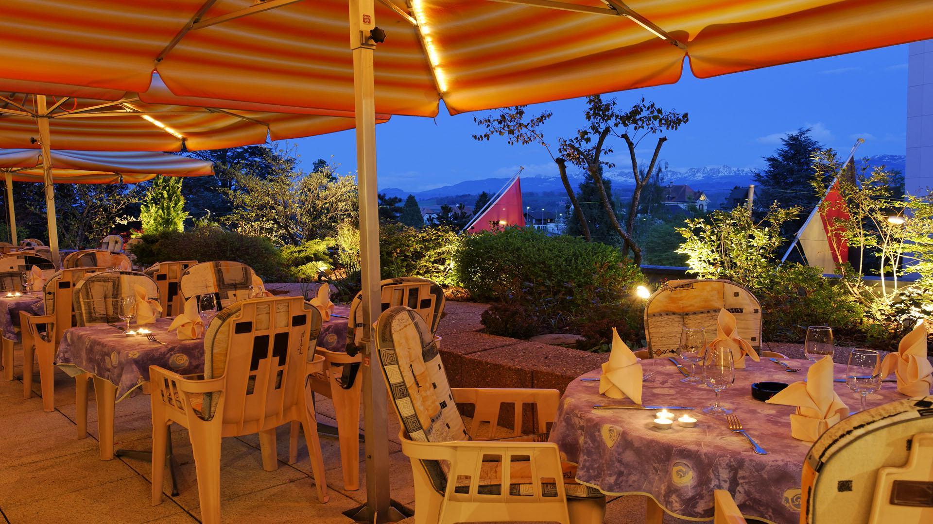 Hotel Restaurant Terrasse Cartier Love Online