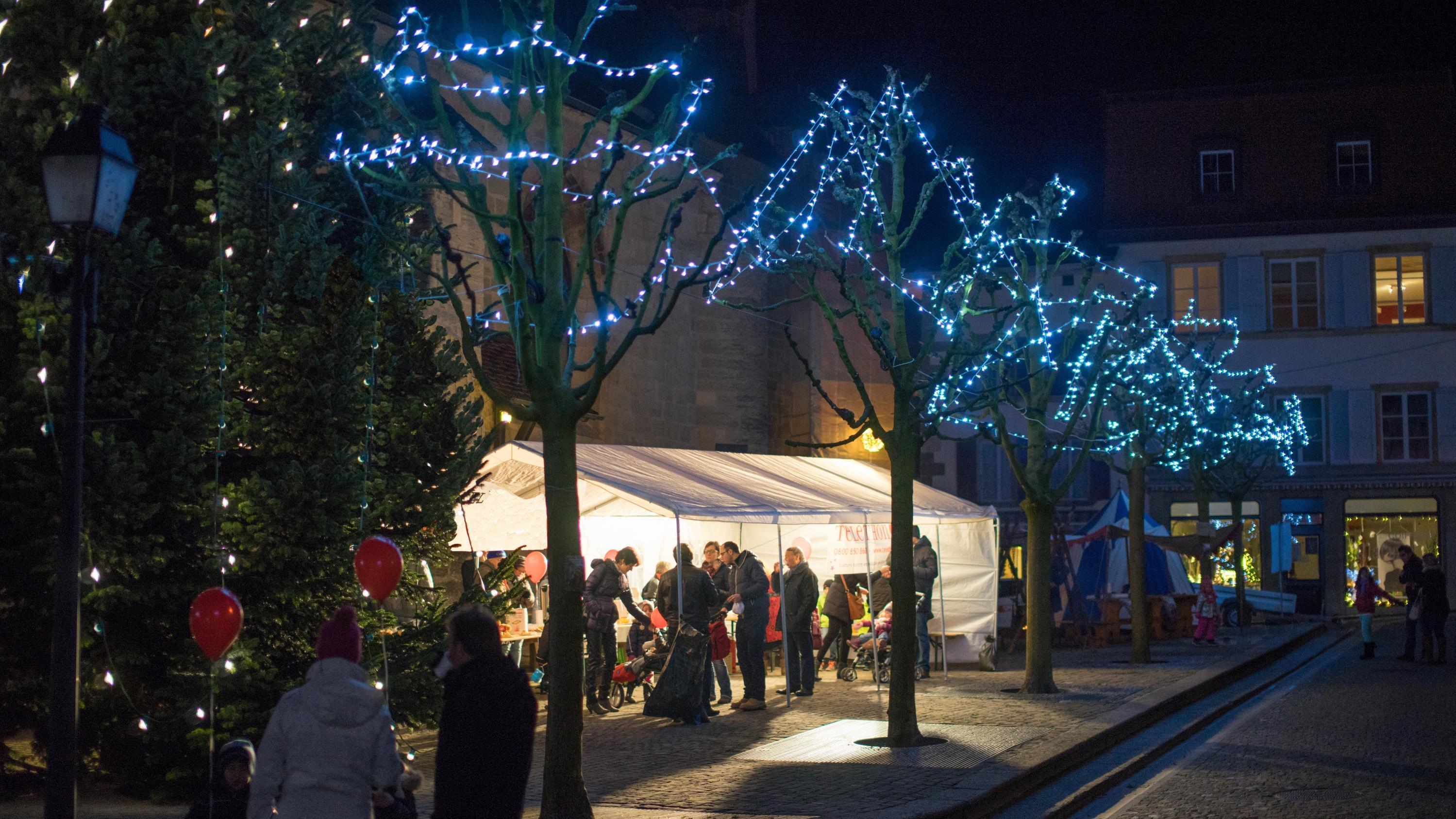 Weihnachtsmarkt Englisch.Weihnachtsmarkt In Estavayer Le Lac