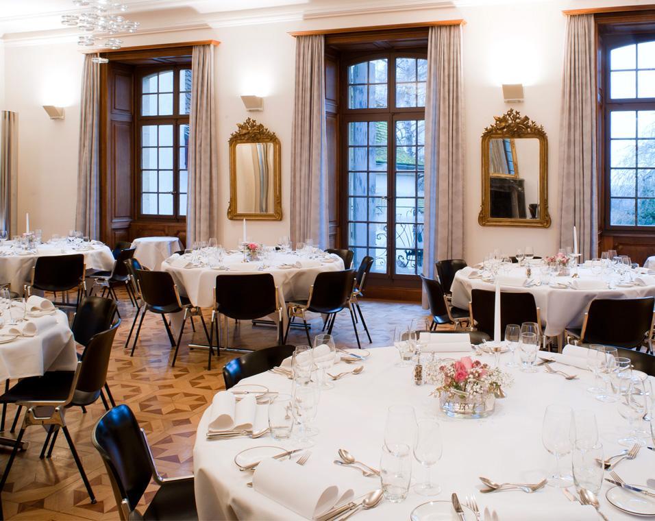 The castle of Münchenwiler, Münchenwiler   Region Lake Murten Tourism  (Switzerland)   Restaurants