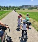 Family cycling in the Seeland